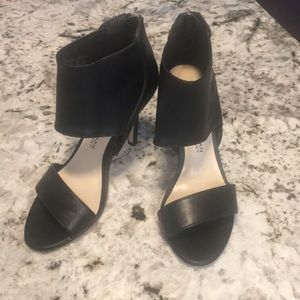 Kardashian Kollection black heels